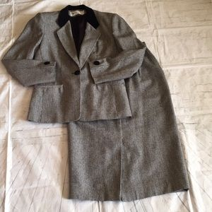 Vintage Evan Picone houndstooth wool skirt suit
